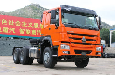Red HOWO Prime Mover Truck 371HP / 336HP ZZ4257N3241 LHD For Transport