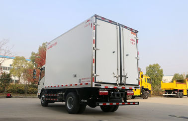 13.9 CBM 4x2 Size Refrigerated Utility Trailer , Refrigerated Delivery Truck With 115HP EURO IV
