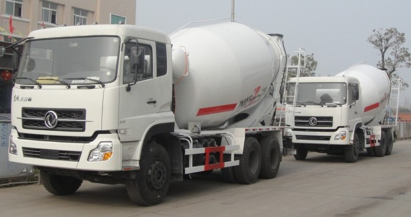 8-12m3 Mobile Concrete Mixer Truck , Mix Concrete Truck Capacity M3 With RHD / LHD